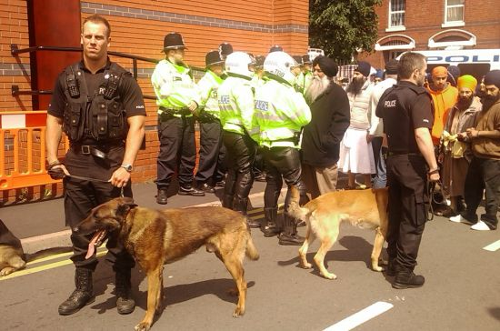 Authorities using Police Dogs to Intimidate Sangat