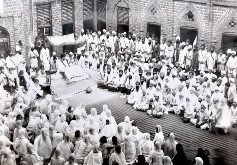 Diwan of Sri Guru Granth Sahib Ji arranged by Bhindra Sampardai in early days